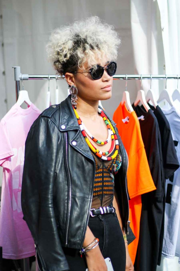 afro-punk-paris-2017-31-bleach-blond-black-roots