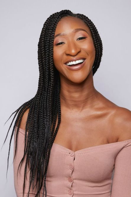 Knotless mid-back box braids that are medium/jumbo in width usually require (7) 3-in-1 packs of hair