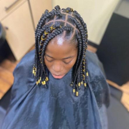 short-jumbo-box-braids-haircreations_bymsoto-4
