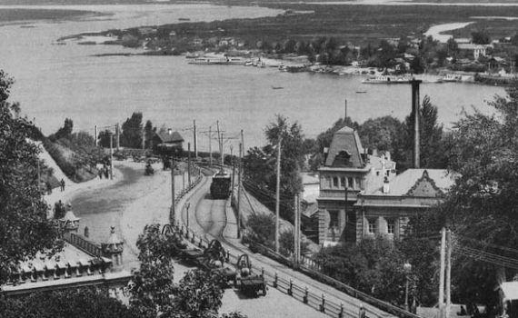 13 июня 1892 года (127 лет назад) — в Киеве был пущен первый  электрический трамвай 6