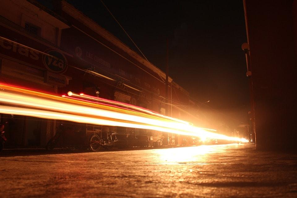 Существует ли нечто, способное передвигаться быстрее скорости света? 4