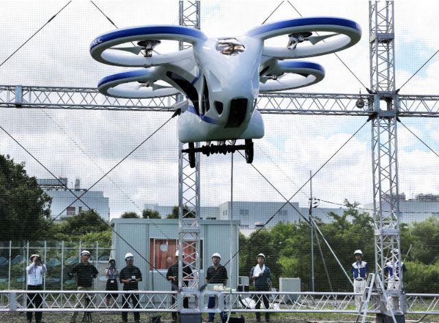 В Японии протестировали  первый полет летающего автомобиля 2