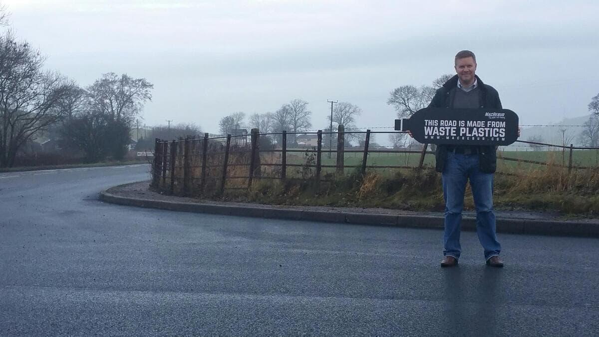 Шотландский стартап начал строительство пластиковых дорог 1