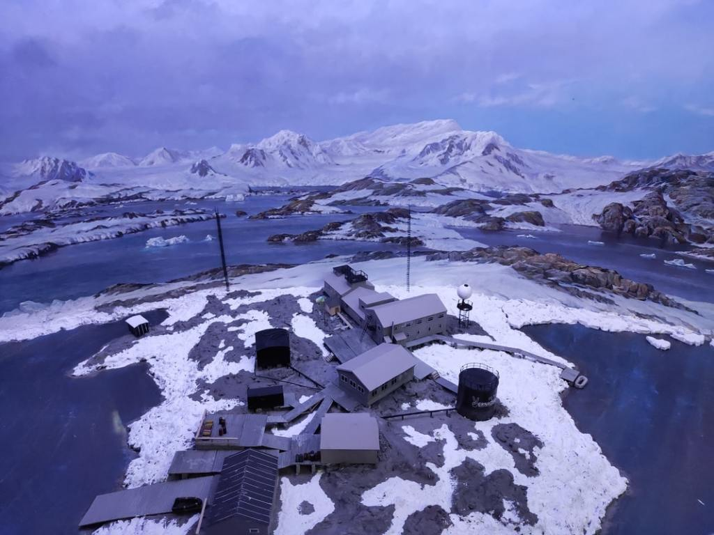 Начальник Антарктической экспедиции Юрий Отруба: «Едем обслуживать приборы» 16