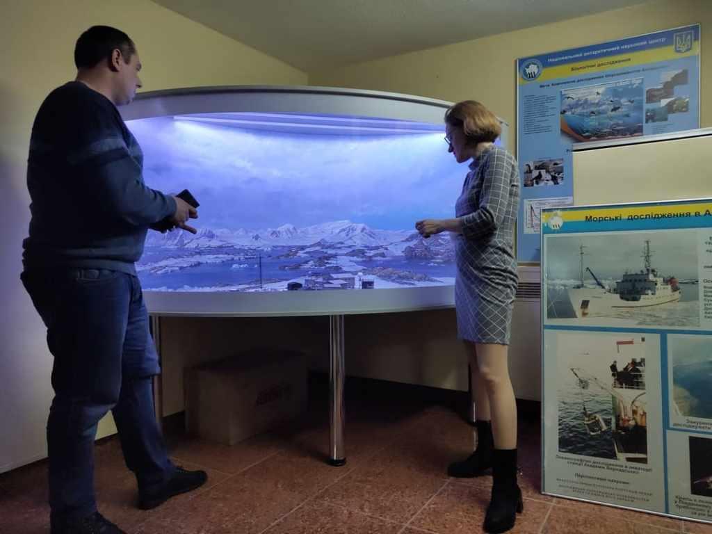 Начальник Антарктической экспедиции Юрий Отруба: «Едем обслуживать приборы» 15