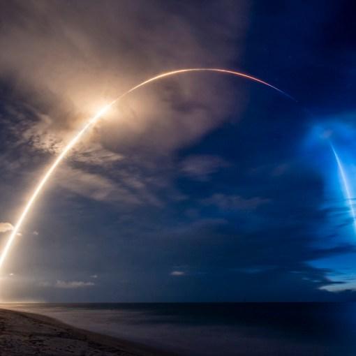 SpaceX Илона Маска вывела на орбиту 58 спутников 3