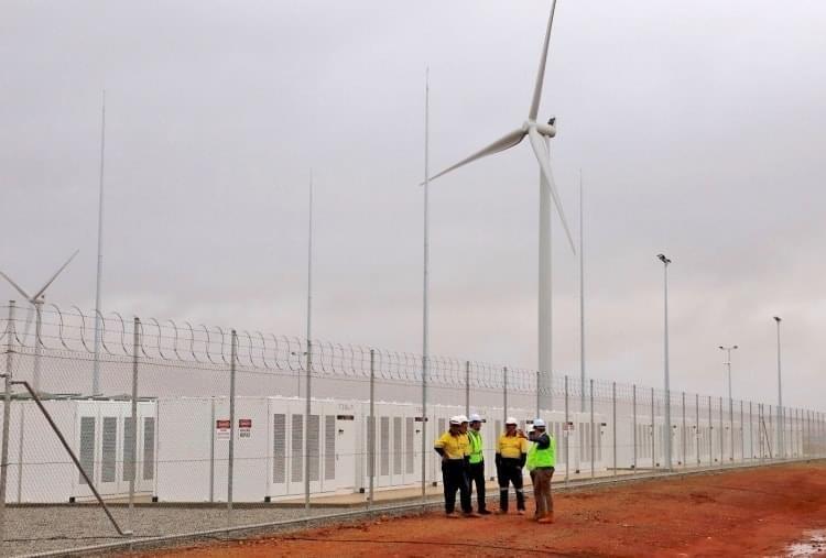 Tesla поможет Катару слезть с «нефтяной иглы» 1