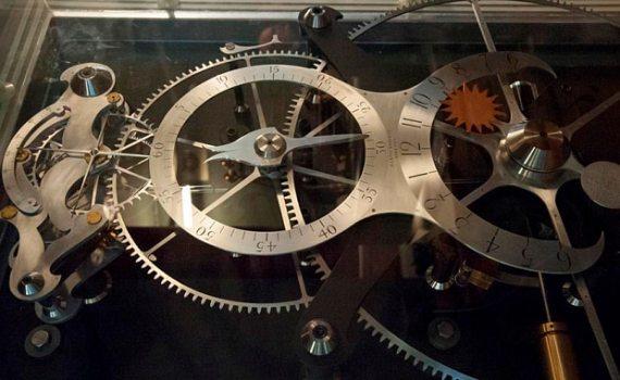 Безукоризненно точный механизм, которому 300 лет 7