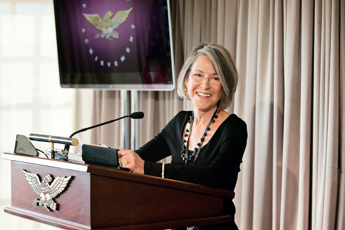 Нобелевскую премию по литературе 2020 года присудили американской поэтессе Луизе Глюк 1