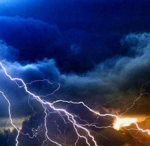 Траекторией молнии можно управлять с помощью лазера 6