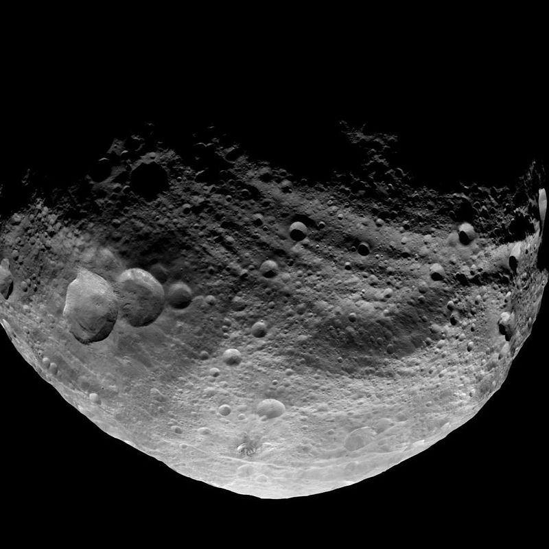 29 марта 1807 года немецкий астроном Вильгельм Ольберс открыл малую планету Веста, самый яркий астероид в небе 1