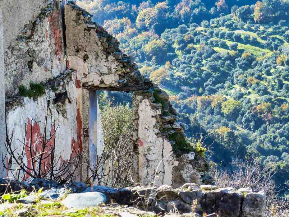 Bâtiments délabrés Gairo Vecchio