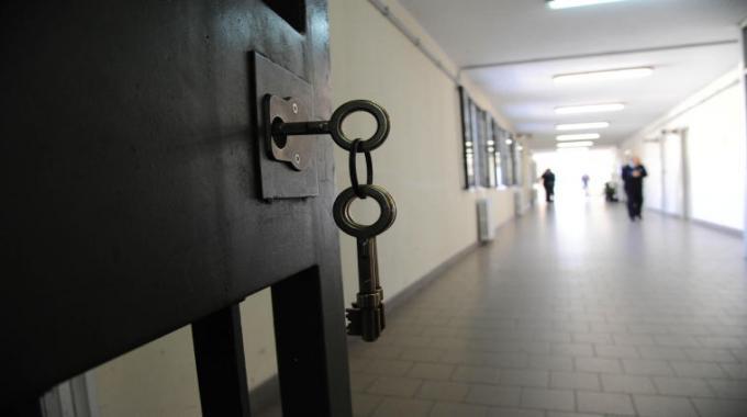 Mozione: Emergenza sanitaria e diritti dei detenuti e delle detenute