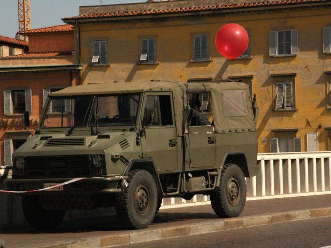 Parlare di pace alla parata militare: un controsenso ormai consueto
