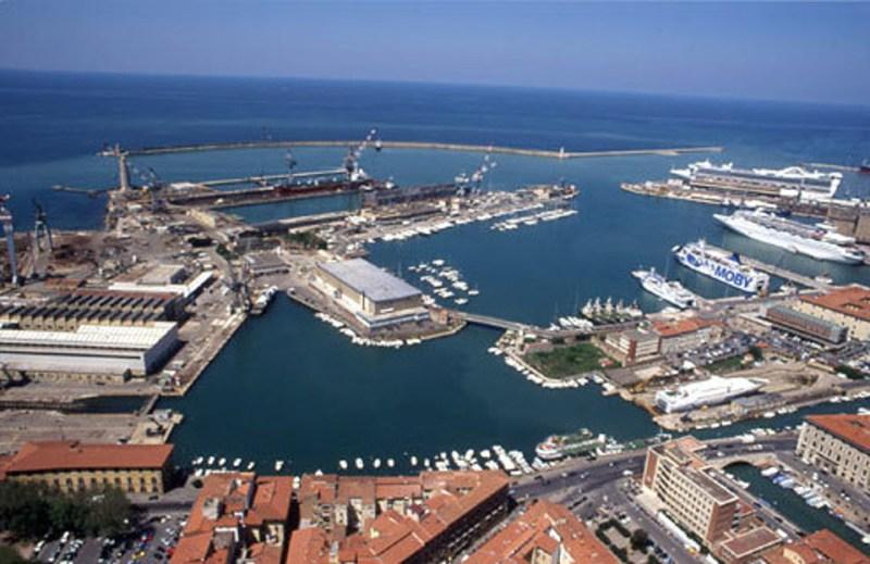 """Interpellanza: """"In merito al l'impatto ambientale del molo previsto nella Darsena Europa al porto di Livorno"""""""