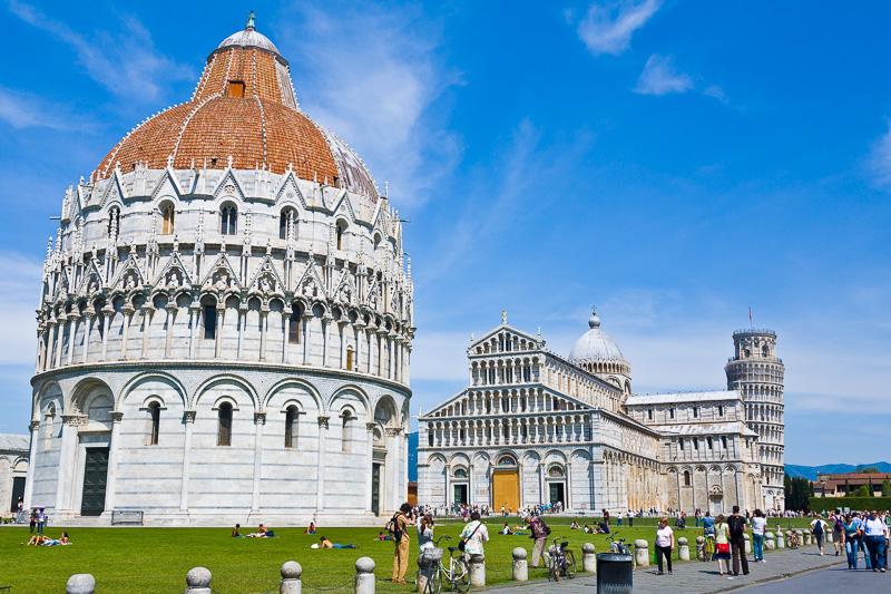 Bancarelle in Piazza del Duomo a giorni alterni? Si cominci a lavorare ad un serio progetto alternativo
