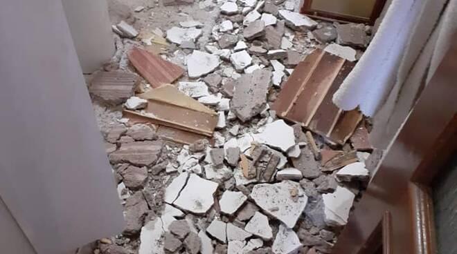 Crollo solaio casa popolare in Gagno: serve un piano di controlli e riqualificazione