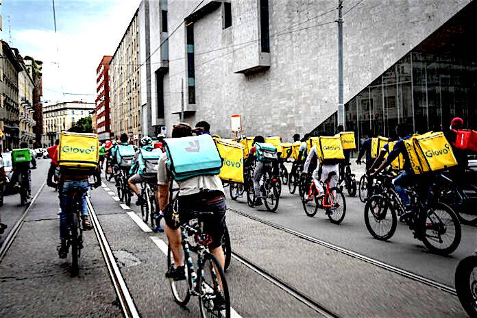 Tutelare riders e consumatori dai rischi da Covid-19: il Comune intervenga urgentemente