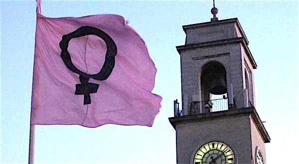 """A Pisa solo le """"pisane DOC"""" possono avere le mestruazioni?"""