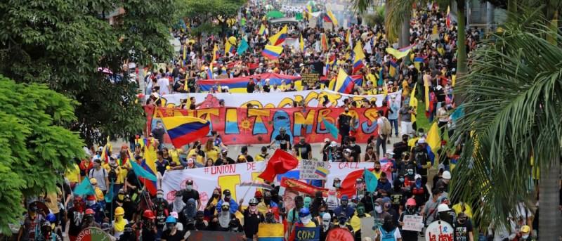 Mozione: Blocco immediato di ogni forma di violazione dei diritti umani e di violenza ai danni della popolazione colombiana