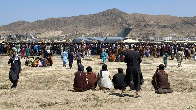 Il Comune di Pisa si impegni nell'accoglienza delle persone in fuga dall'Afghanistan: una mozione urgente in Consiglio comunale