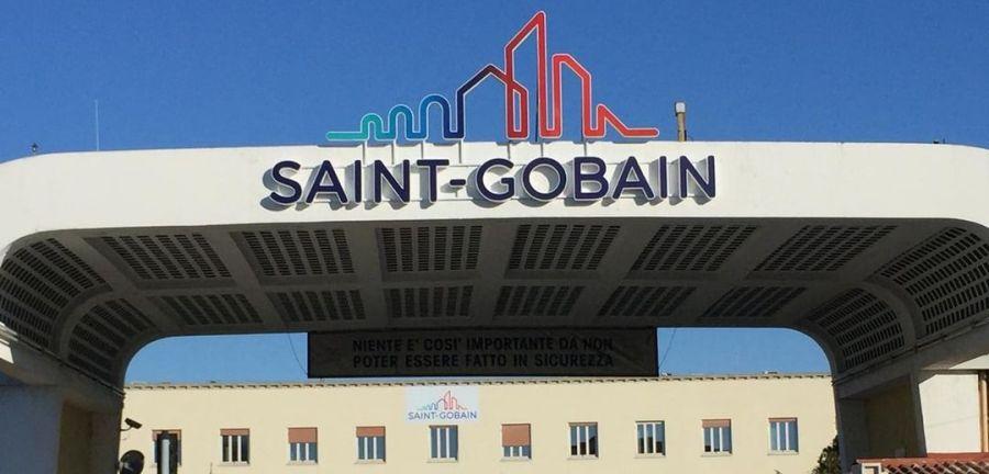 Saint-Gobain ritiri i licenziamenti. Mozione unanime del consiglio comunale