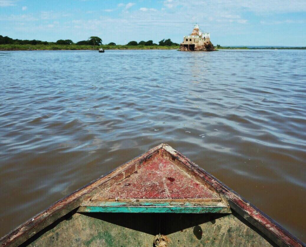 El peñón de limpio bote por Iván Acosta