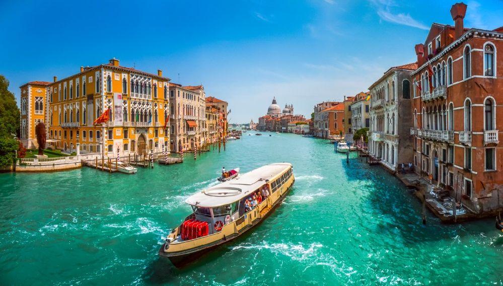 Gran Canal y vaporetto, Venecia