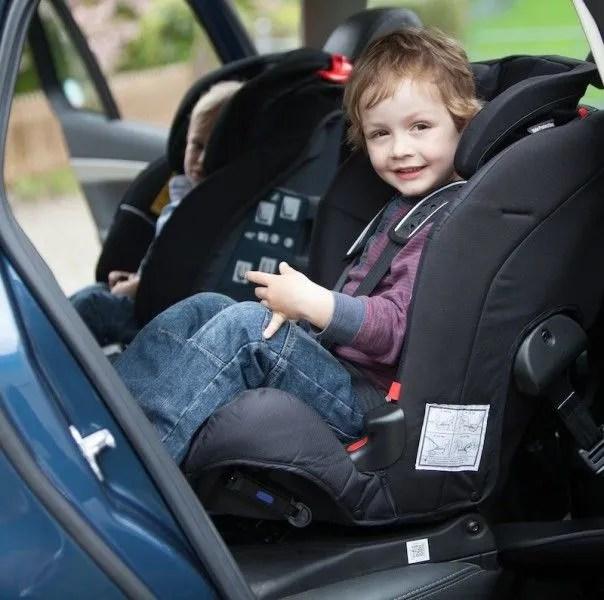 Sillas de coche a contramarcha: por qué son más seguras