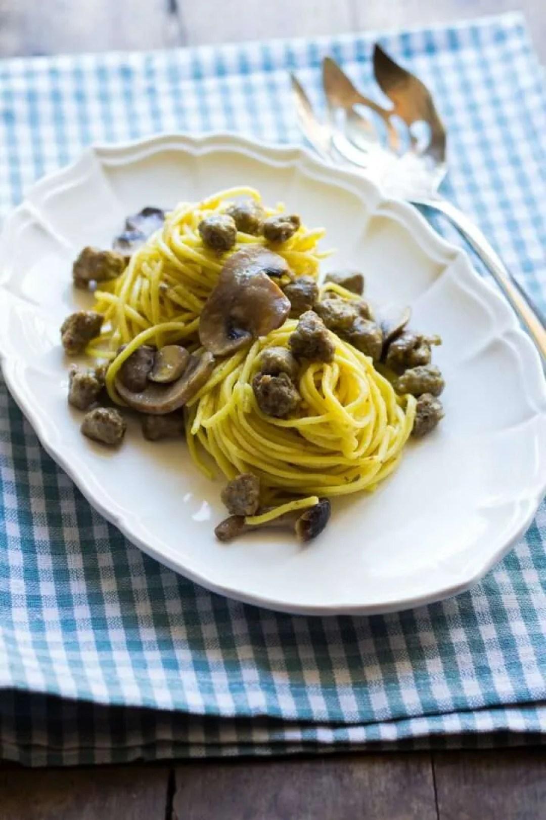 la ricetta degli spaghetti funghi pallotte e zafferano