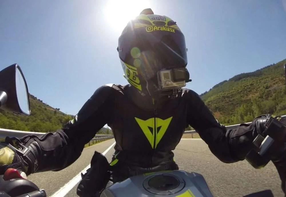 No viajas en moto por autovía porque no quieres