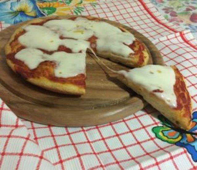 Pizza in Teglia a Lievitazione Istantanea 5