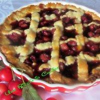 Crostata di ciliegie fresche con confettura