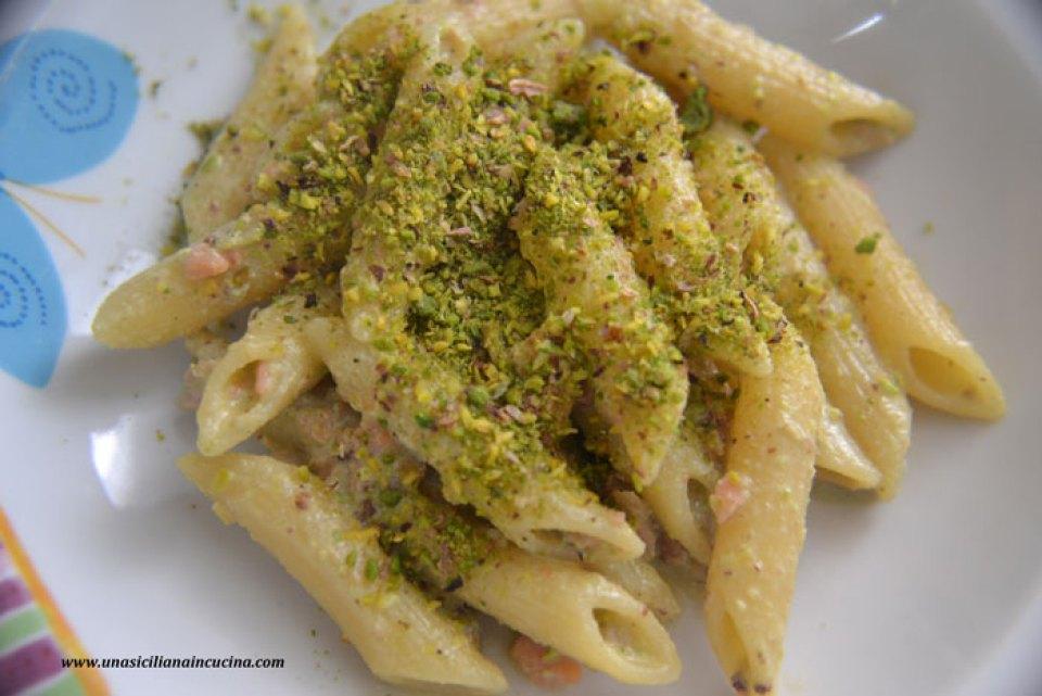 penne al pistacchio e salmone