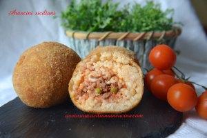 Arancini o arancine siciliane