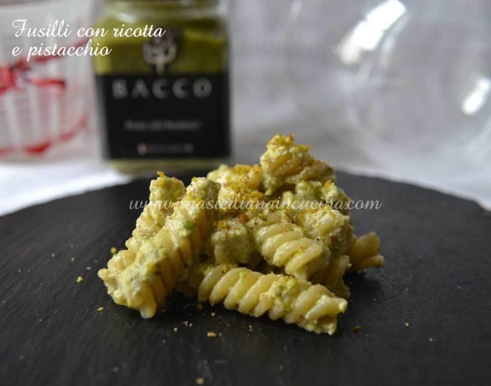 Fusilli-con-ricotta-e-pistacchio