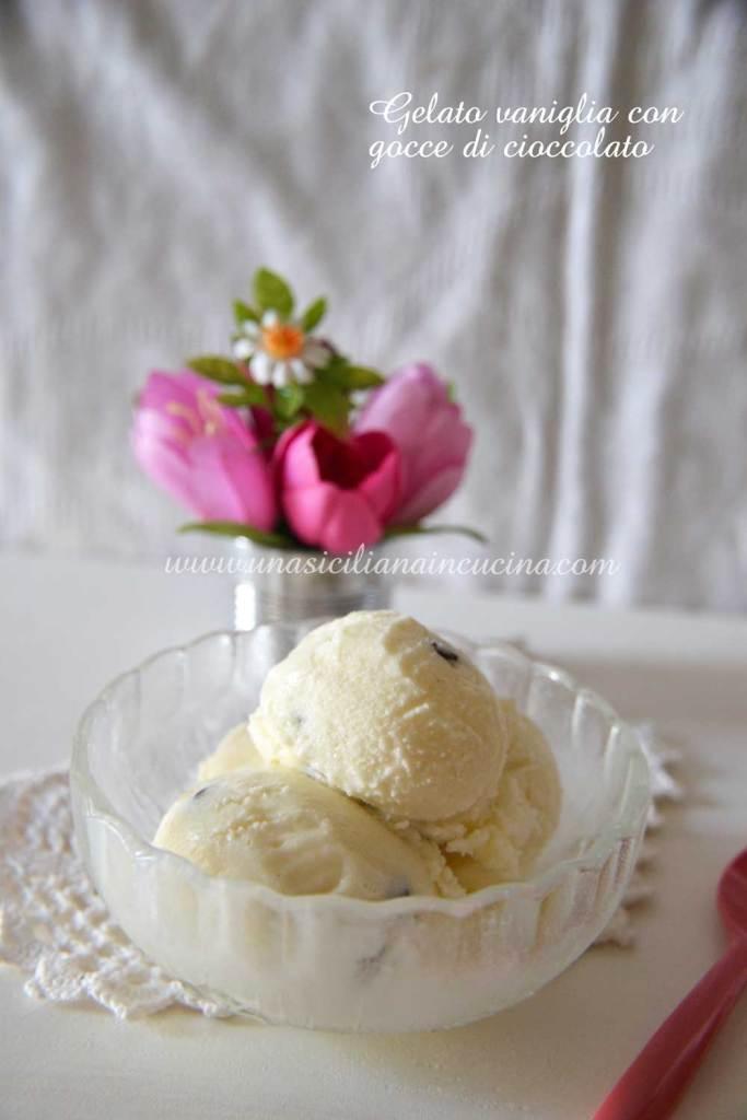 Gelato vaniglia con gocce di cioccolato
