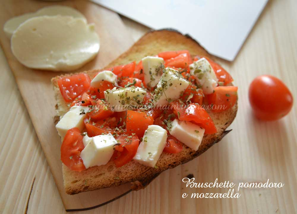 Bruschette pomodoro e mozzarella