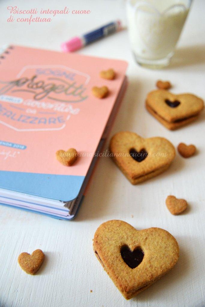 Biscotti integrali cuore di confettura