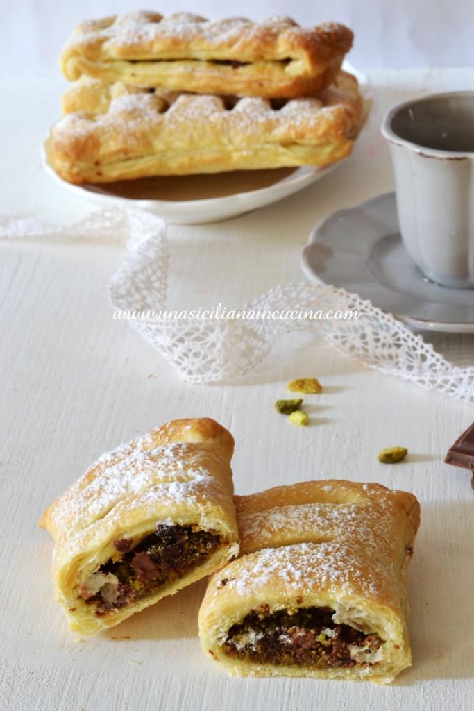 Sfogliatine ai pistacchi e cioccolato