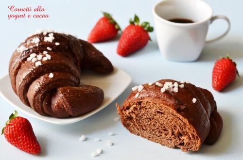 Cornetti brioche allo yogurt e cacao