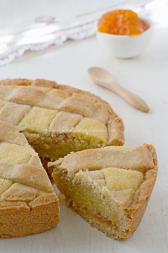 Crostata integrale frangipane e albicocca