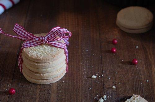 Biscotti natalizi di frolla svedese