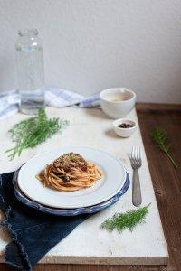 Spaghetti con sugo al finocchietto