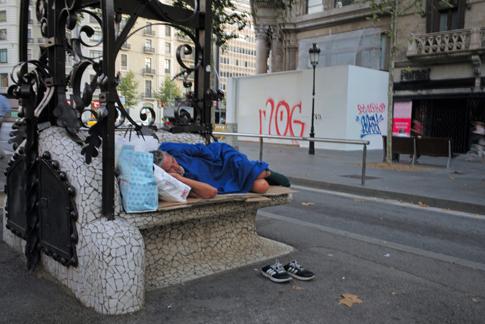 19h19 Barcelona Despertar del día_0076 variante Uti 485