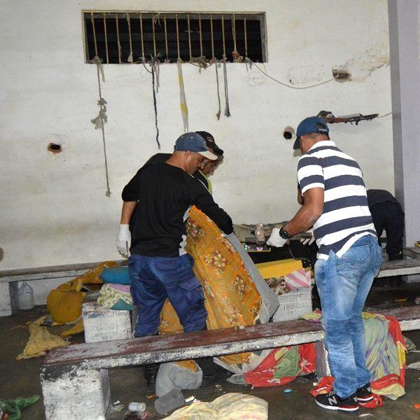 Mérida: Incautadas armas de fabricación carcelaria y otros objetos prohibidos durante requisa en retén de PoliMérida