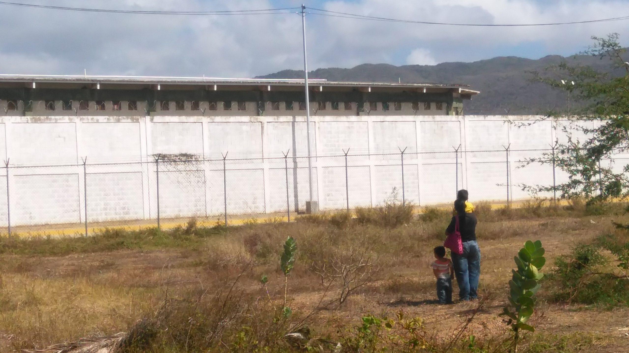 Nueva Esparta: Denuncian fallas en la entrega de comida a presos del Internado Judicial de San Antonio