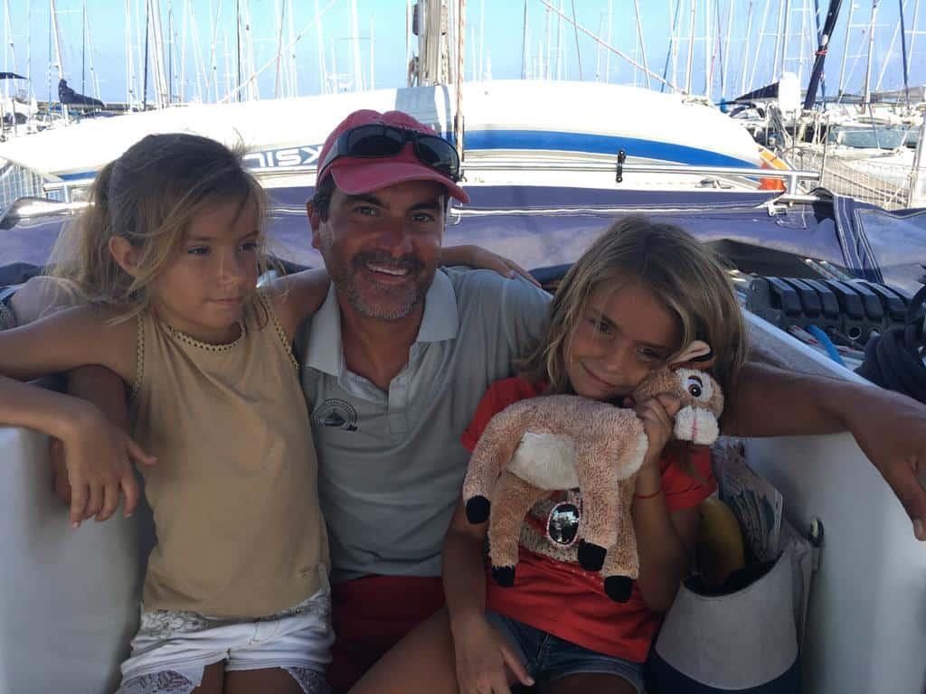 Con Sara y Mia y su peluche Bambi
