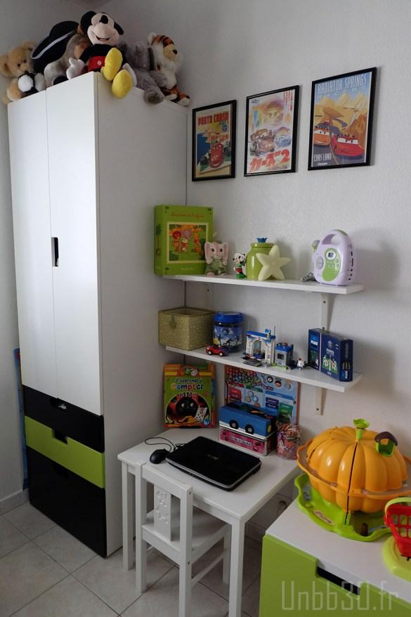 chambre enfant garçon bureau coffre à jouet