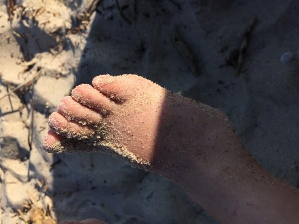 pieds ensablés
